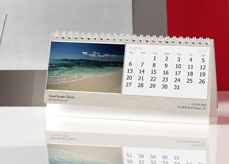 Custom desk calendars personalized photo desk calendars vistaprint desk calendars solutioingenieria Image collections